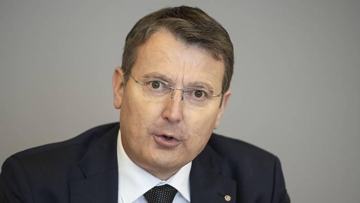 Nationalrat und Parteipräsident Thomas Burgherr erläuterte am Montag vor den Medien die Gründe für das Ultimatum an Franziska Roth.