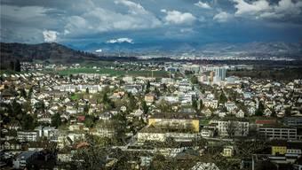 Blick vom Schloss Lenzburg auf die Stadt