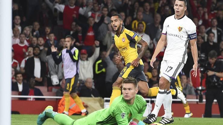 Walcott trifft für Arsenal gleich doppelt gegen den FCB.