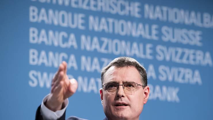 """Der Chef der Schweizerischen Nationalbank Thomas Jordan verteidigt die Niedrigzinspolitik der Notenbank im """"Blick"""" vom Mittwoch und erklärt die Hauptgründe für die Vorgehensweise. (Archivbild)"""