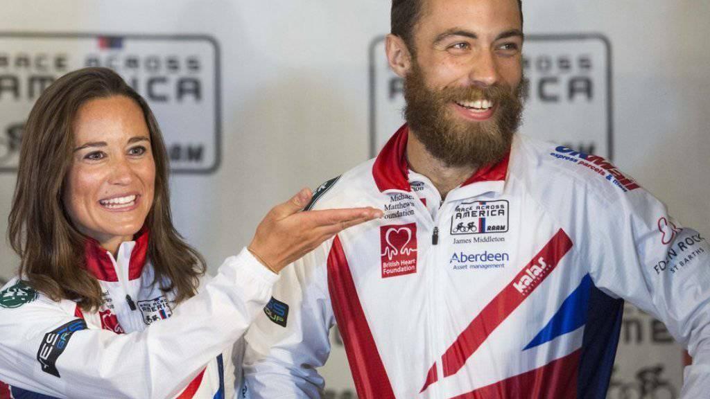 Mehr noch als mit ihrem derzeitigen Lover zeigt sich Pippa Middleton (links) mit ihrem Bruder James Middleton. Hier bei einem Autorennen im US-amerikanischen Annapolis im Juni 2014. (Archiv)