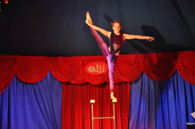 Mut und Gleichgewicht unter der Kuppel des Zirkuszeltes