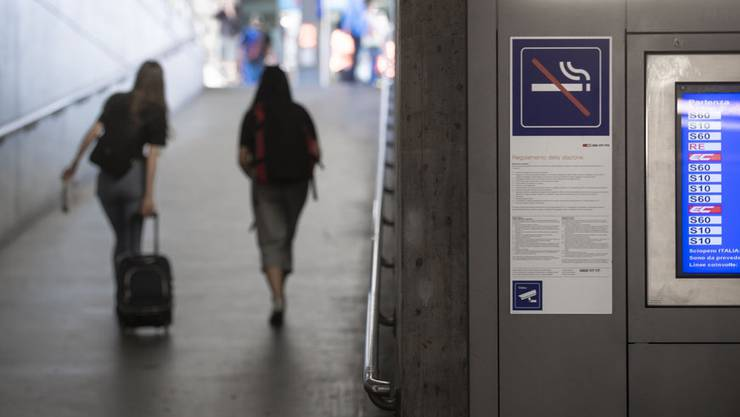 Von 745 Bahnhöfen und Haltestellen der SBB sind bloss 54 mit Videoanlagen ausgestattet.Von 745 Bahnhöfen und Haltestellen der SBB sind bloss 54 mit Videoanlagen ausgestattet.