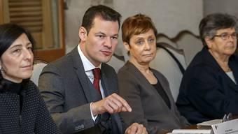 Dank dem Programm dürften in den kommenden Jahren mehrere tausend Sans-Papiers im Kanton Genf eine Aufenthaltsbewilligung B erhalten, sagte der Genfer Staatsrat Pierre Maudet am Dienstag.