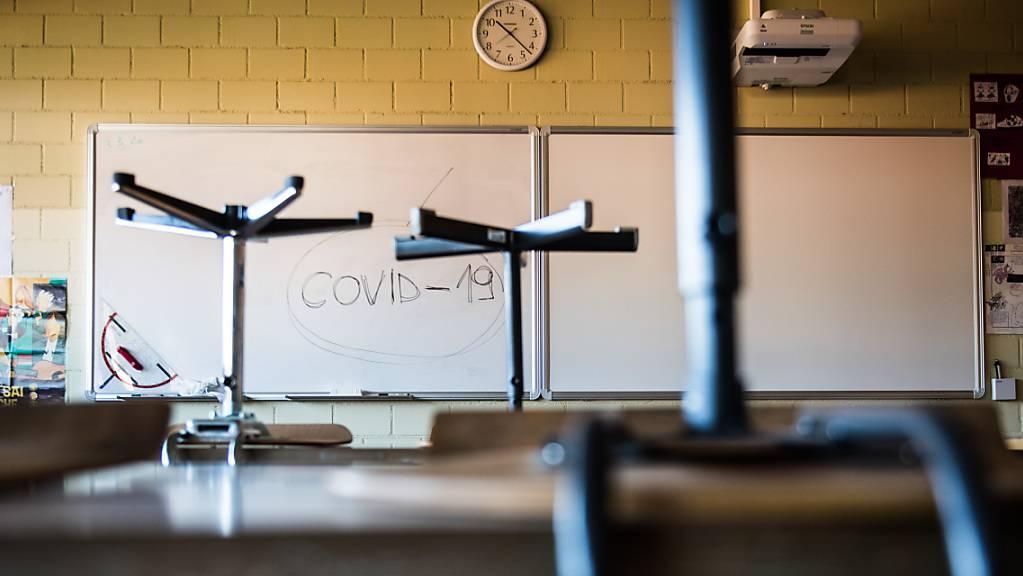 Schutzkonzepte an den Schulen bewähren sich.(Symbolbild)