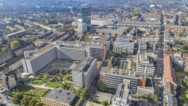 Die L-förmig angeordneten hohen Gebäude gehen in den Besitz der Pensionskasse Basel-Stadt über.