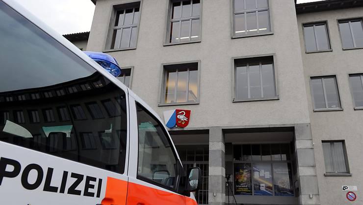 Das Bezirksgericht Horgen verurteilte den 41-Jährigen zu einer bedingten Freiheitsstrafe von 15 Monaten sowie eine Busse von 1500 Franken. (Archiv)
