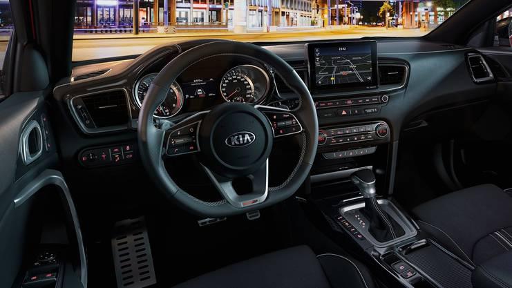 Das Cockpit der neuen Ceed-Generation mit hochwertiger Verarbeitung und hoch platziertem Navi-Bildschirm.