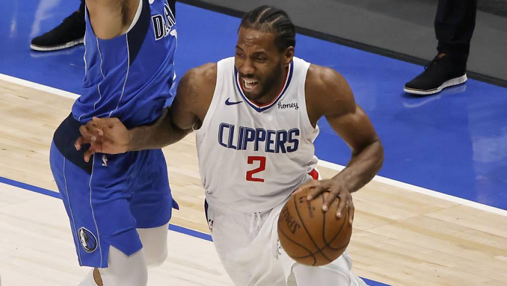 Kawhi Leonard hält die Clippers mit 45 Punkten im Playoff-Rennen