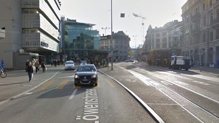 Ort des Geschehens: die Löwenstrasse im Zürcher Kreis 1. Auf Höhe der Schweizergasse soll sich der Unfall ereignet haben.