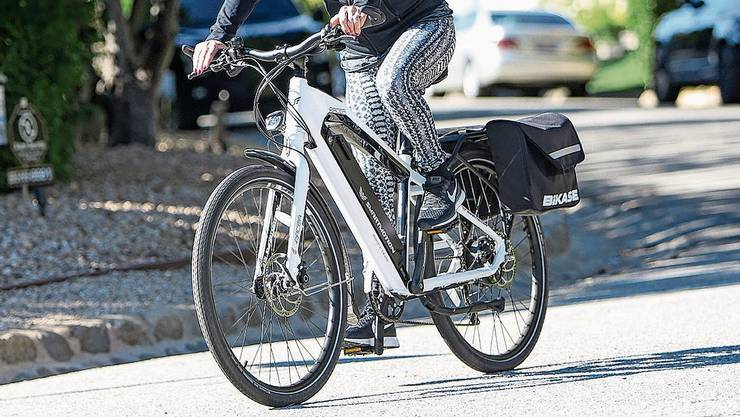 Aufgepasst: E-Bikes führen zu mehr Unfällen.