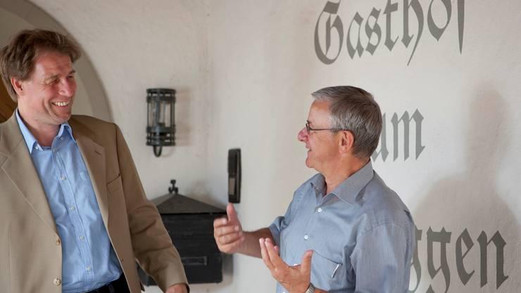 Martin Spielmann, Geschäftsleiter Lebenshilfe (l.), und Martin Heiz, Gemeindeammann Reinach, freuen sich bereits heute auf die Wiedereröffnung des Gasthofs Schneggen im nächsten Herbst.   Peter Siegrist