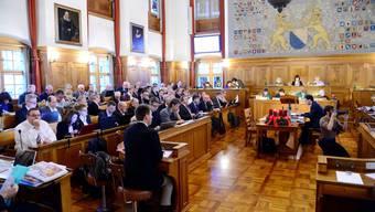 Der Zürcher Kantonsrat debattiert noch bis in die Nacht hinein.