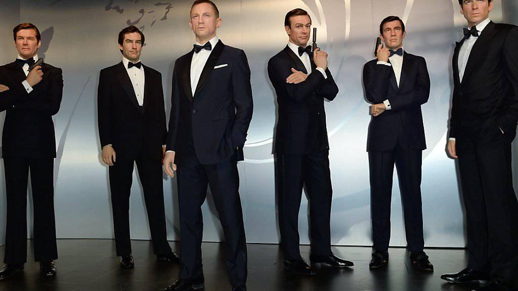 In Echt wäre das nicht möglich, weil einige James-Bond-Darsteller schon etwas angegraut sind: Alle sechs 007-Schauspieler sind in Berlin in jugendlicher Frische als Wachsfiguren versammelt.