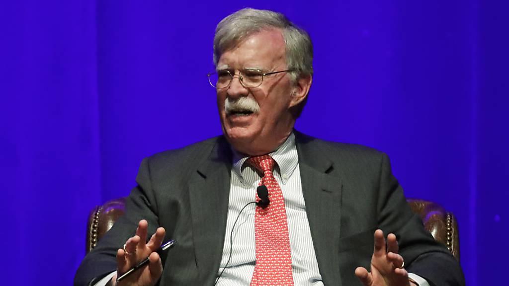 US-Gericht: Bolton-Buch kann am Dienstag erscheinen