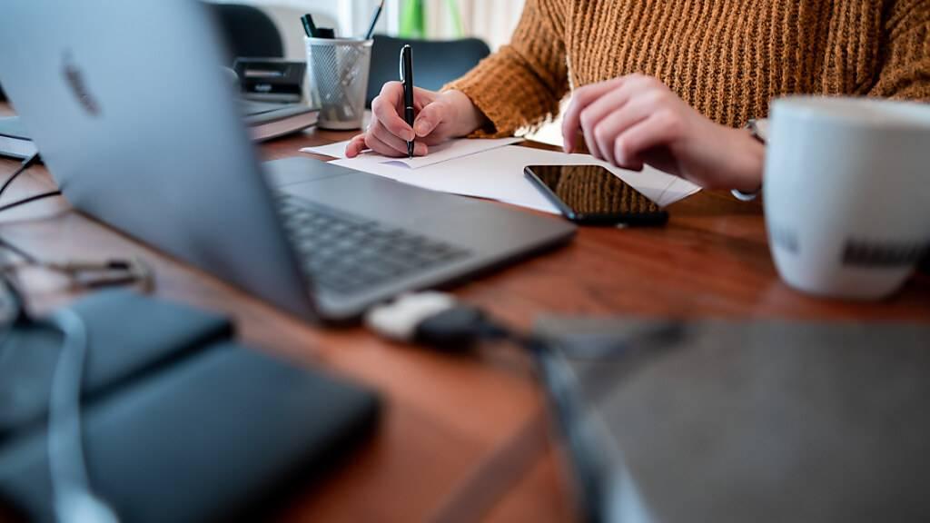 Angestellte wollen ins Büro zurück - aber nicht jeden Tag