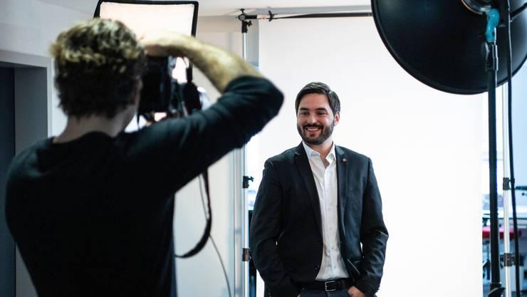 Investiert 300'000 Franken: Der Aargauer SP-Nationalrat und Ständeratskandidat Cédric Wermuth. Ein grosser Teil dieser Summe kommt von Kleinspendern. (KEYSTONE/Peter Schneider)