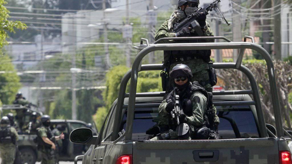Die mexikanische Armee bei einer Operation gegen das Verbrechersyndikat Cartel Jalisco Nueva Generación in Guadelajara. (Archivbild)