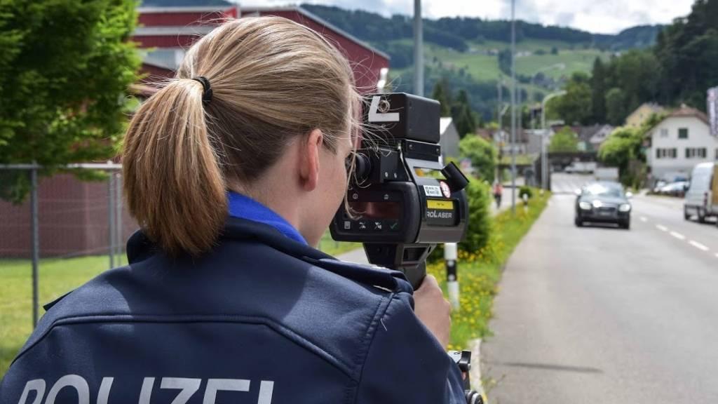 St.Galler Polizei nimmt drei Schnellfahrern den Ausweis weg