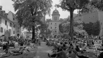 In den 70ern sahen Schloss und Hof noch ein bisschen ander aus. Bild: ETH-Archiv