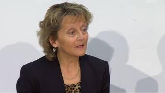 Spannte ihr Publikum gehörig auf die Folter, war sichtlich nervös und konnte sich ein Schmunzeln nicht verkneifen: Bundesrätin Eveline Widmer-Schlumpf gibt ihren Rücktritt bekannt.