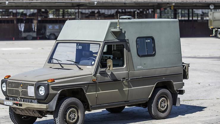 Ein Puch-Fahrzeug der Armee ist am Donnerstag in Schwyz verunfallt. (Archivbild)