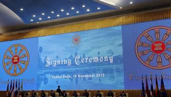 Staats- und Regierungschefs der zehn ASEAN-Mitglieder unterzeichnen die Menschenrechtserklärung