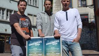 Lorenz Gautschi («Zäni», links), Fabian Müller («Bistro») und Reto Zurflüh («Bodega») auf dem Cordulaplatz.