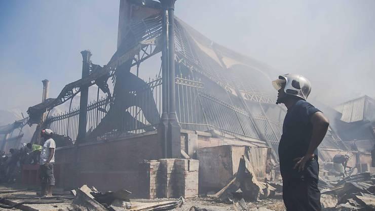 Eine von zwei Markthallen wurden bei dem Brand in Port-au-Prince auf Haiti total zerstört.