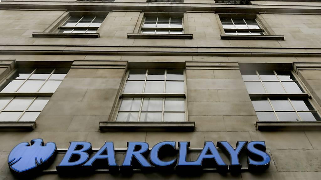 Britische Notenbank hebt Dividendenbeschränkung für Grossbanken auf