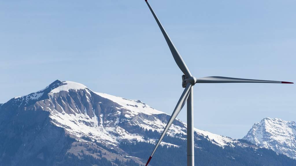 Blick auf die Windenergieanlage in Haldenstein.