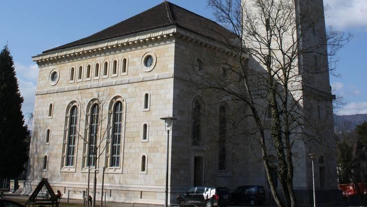 Die reformierte Kirche steht zumindest für den Pfarrer von Bellang nicht mehr ganz im Dorf
