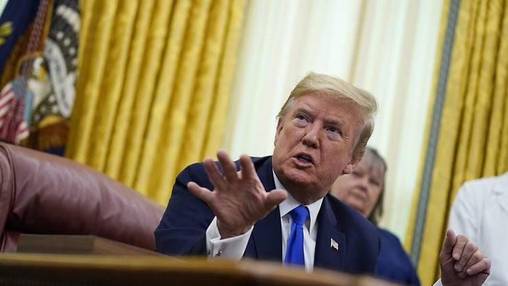 """""""Schlimmster Angriff"""": US-Präsident Donald Trump am Mittwoch im Oval Office des Weissen Hauses in Washington."""