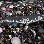 Neue Proteste in Hongkong: Trotz Verbot gingen am Sonntag zehntausende von Bürgerinnen und Bürgern auf die Strasse.