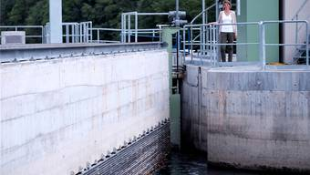 Umweltingenieurin Nadia Semadeni beim Kraftwerk Rüchlig. Mario Heller