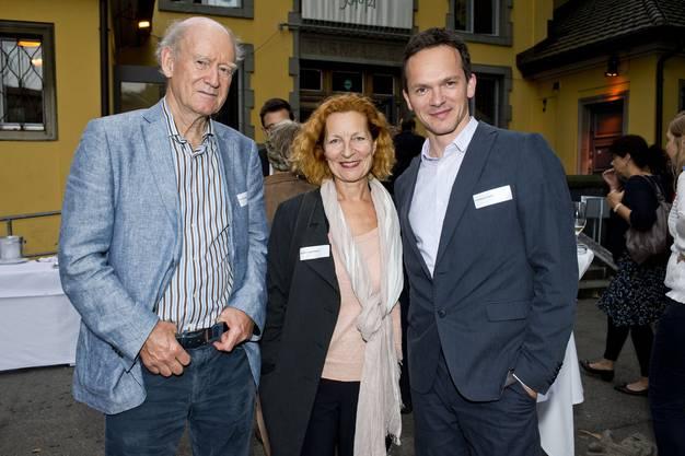Die ehemaligen Kulturpreistraeger Franz Hohler, Brigitta Luisa Merki und Andreas Fleck (von Links)