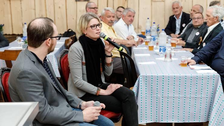 Stadtredaktor Andreas Kaufmann im Talk mit Andrea Schlumpf, Betriebsleiterin des Hotels Weissenstein.