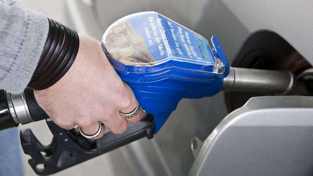 Autofahrer müssen für den Sprit tiefer ins Portemonnaie greifen