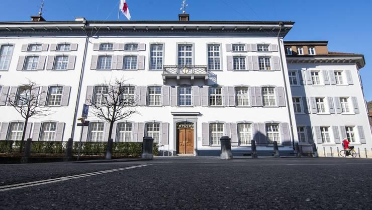 Das Regierungsgebäude benötigt eine Auffrischung.