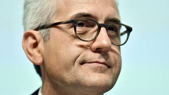 Plant ABB-Chef Ulrich Spiesshofer den nächsten Coup? Laut Agenturberichten sollen erneut Verhandlungen mit dem US-Konzern GE über den Kauf der Industriesparte laufen.