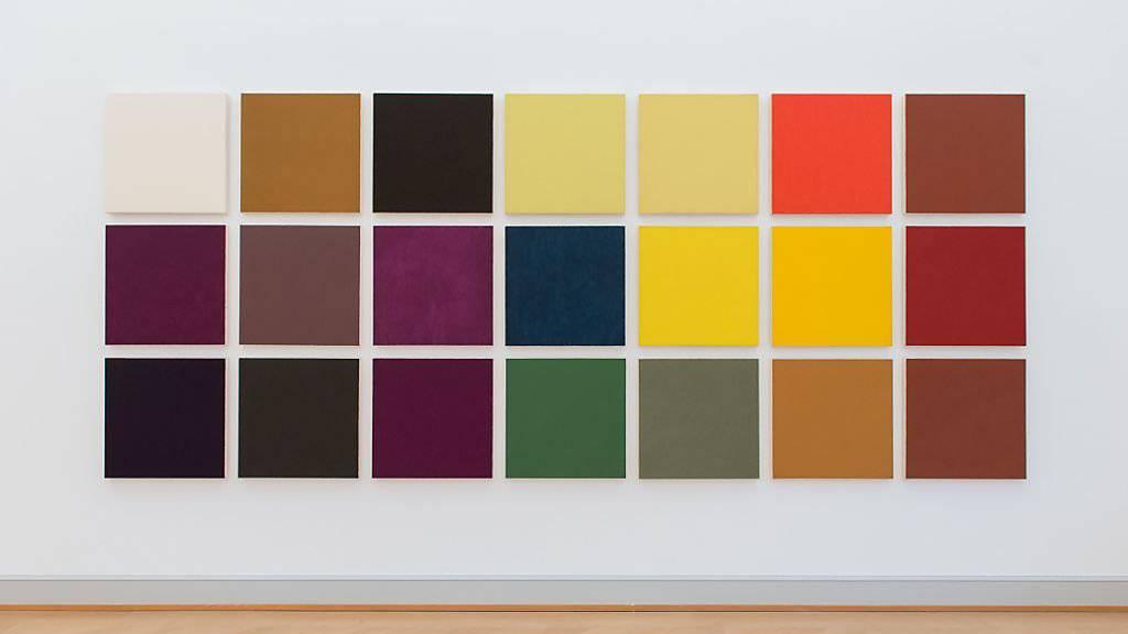 Mit Werkserien wie «Table of Pigments» erforscht Marcia Hafif die Farbfeldmalerei.