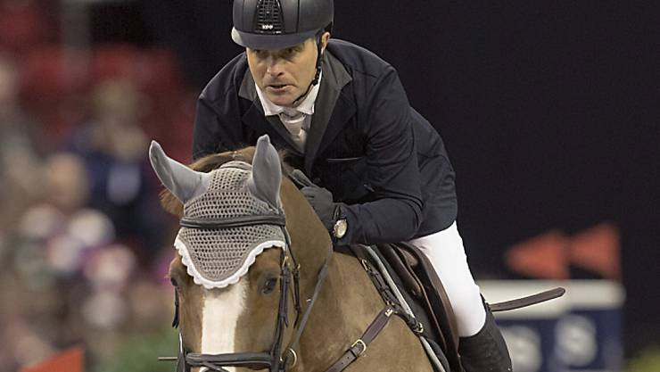 Niklaus Rutschi nimmt mit Windsor das Hindernis
