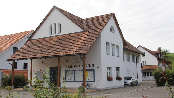 Die Gemeindeversammlung in Bözen findet jeweils im ersten Stock des Gemeindehauses statt.
