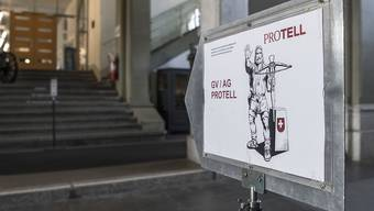 Die Gesellschaft Pro Tell will die Übernahme der EU-Waffenrichtlinie in der Schweiz nötigenfalls mit dem Referendum bekämpfen. Dies hat am Samstag die Mitgliederversammlung in Bern beschlossen.