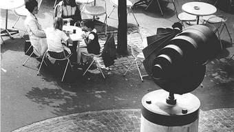 Franz Pabsts «Hahn» an seinem ursprünglichen Standort am Cordulaplatz, um 1970.