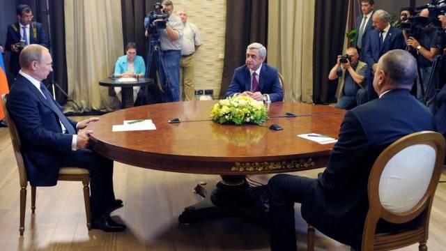 Putin, Aliyev und Sargsjan bei ihrem Treffen am Sonntag in Sotschi