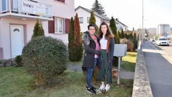 Familie Jeremic will keine über 2 Meter hohe Mauer in ihrem Vorgarten.