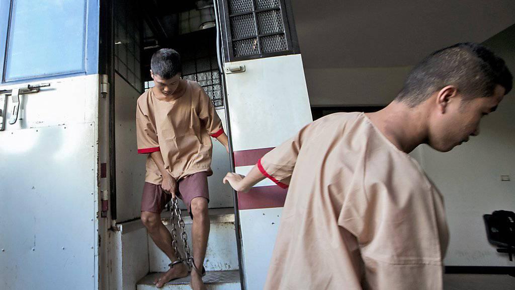 Sie sollen zwei Briten auf der thailändischen Touristeninsel Koh Tao ermordet haben: Zwei Wanderarbeiter aus Myanmar sind zum Tode verurteilt worden.