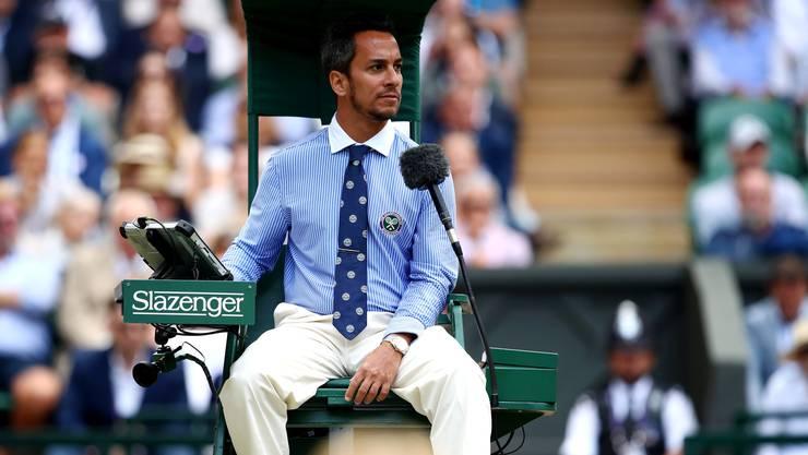 Eben noch Schiedsrichter im Wimbledon-Final, nun entlassen: Stuhl-Schiedsrichter Damian Steiner aus Argentinien (Bild: Getty Images).