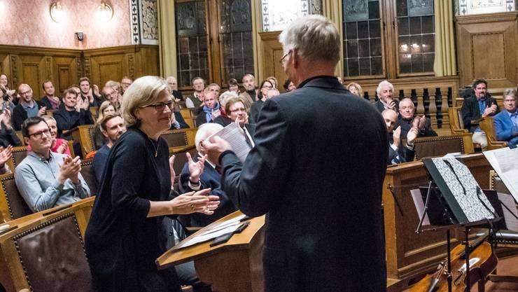 Grosser Empfang: Carena Schlewitt erhielt am Montag Abend im Rathaus den Basler Kulturpreis, Roland Wetzel hielt die Laudatio.